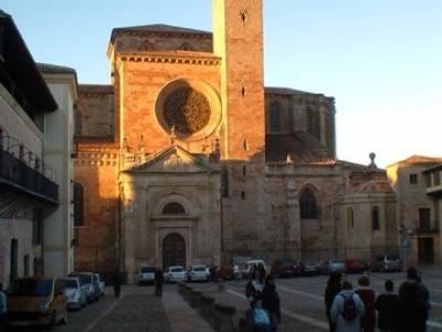 Catedral de Sigüenza; excursiones viajes; senderismo sierra norte madrid